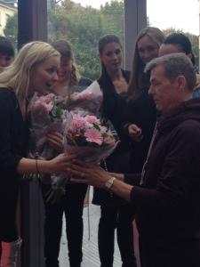 Juryn får blommor
