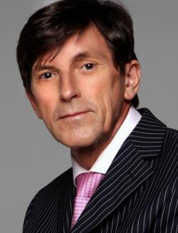 dr-des-fernandes