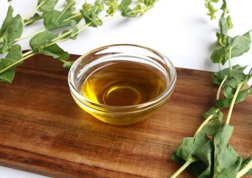 smörj huden inifrån och ut bild olja 2