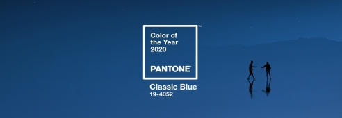 Åretws färg bild pantone-color-of-the-year-2020-classic-blue-banner